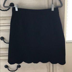 ASOS black pencil skirt with scalloped hem - 6 T